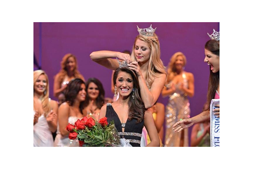 Myrrhanda Jones was crowned Miss Florida Saturday night. COURTESY PHOTO